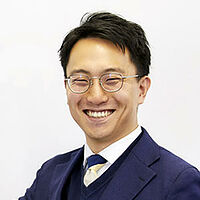 横山 翔一先生の画像