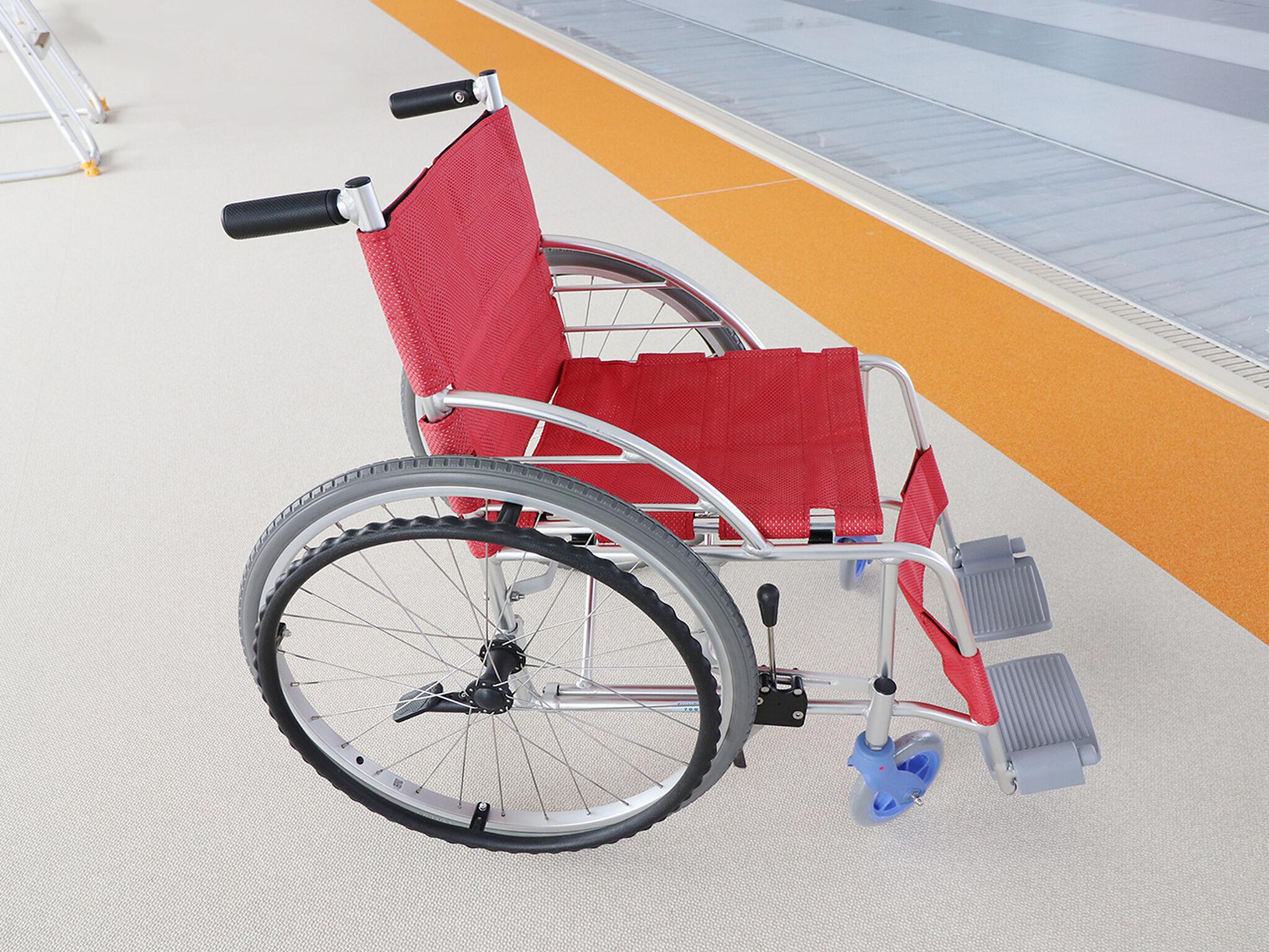 プール・ボランティアが開発した車いすの画像