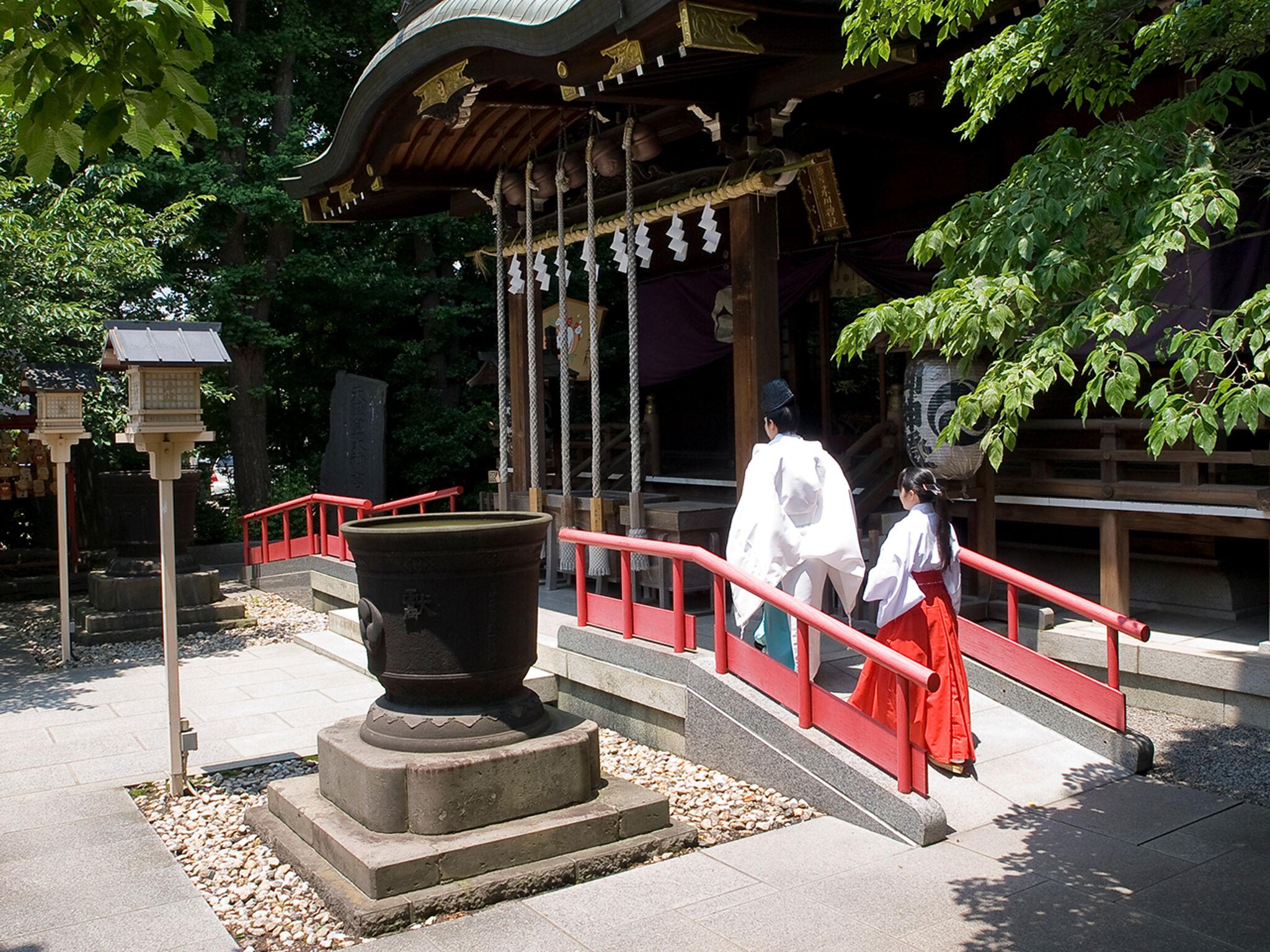 「鎮守氷川神社」社殿