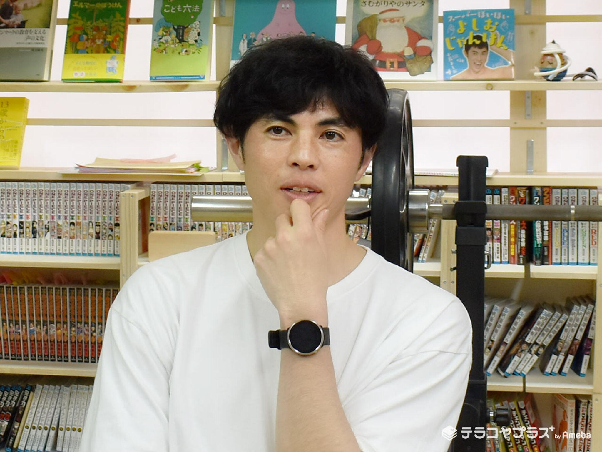 小島よしおさんのインタビュー画像