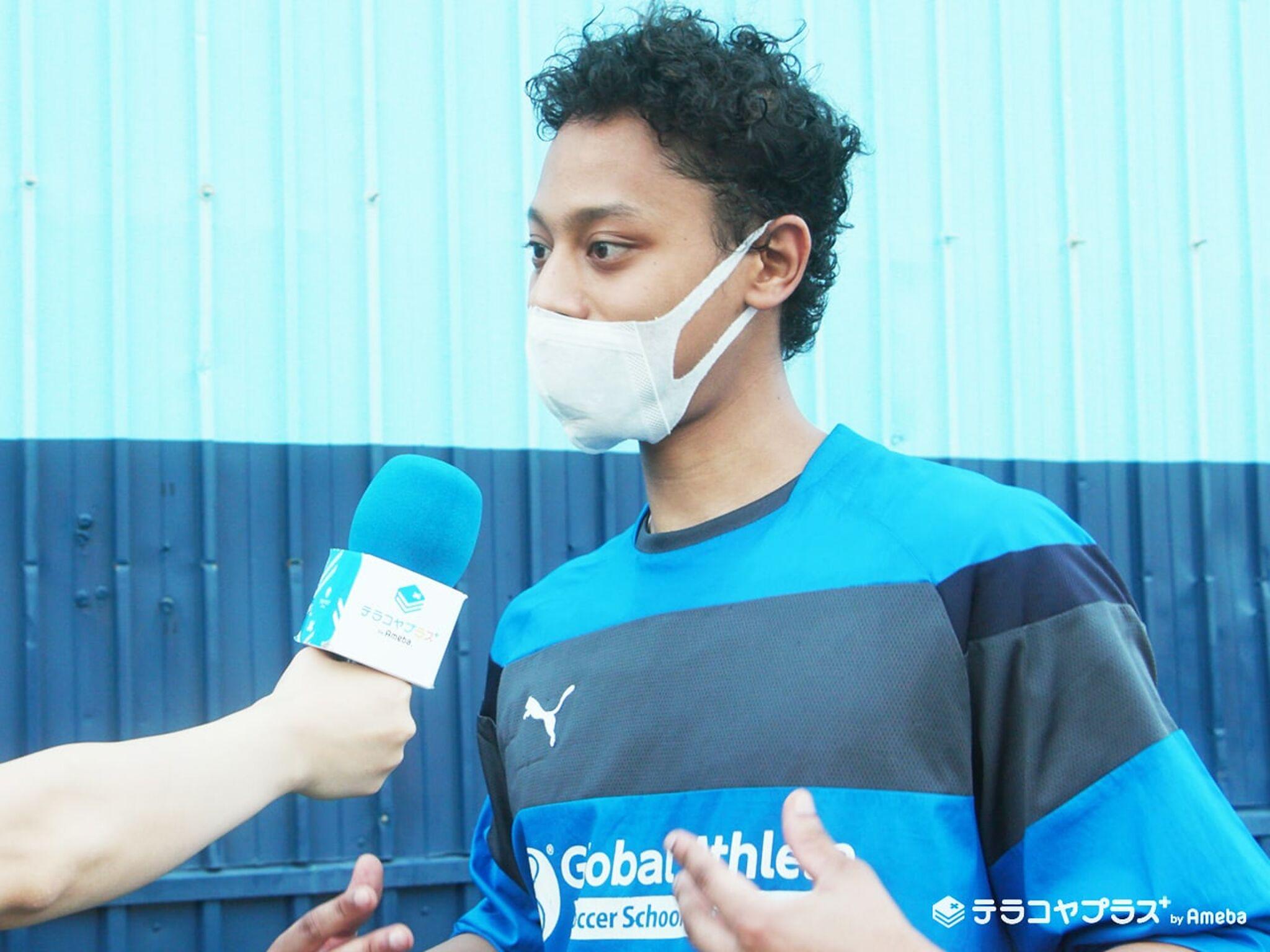 グローバルアスリート英語サッカースクールのシモン先生インタビュー