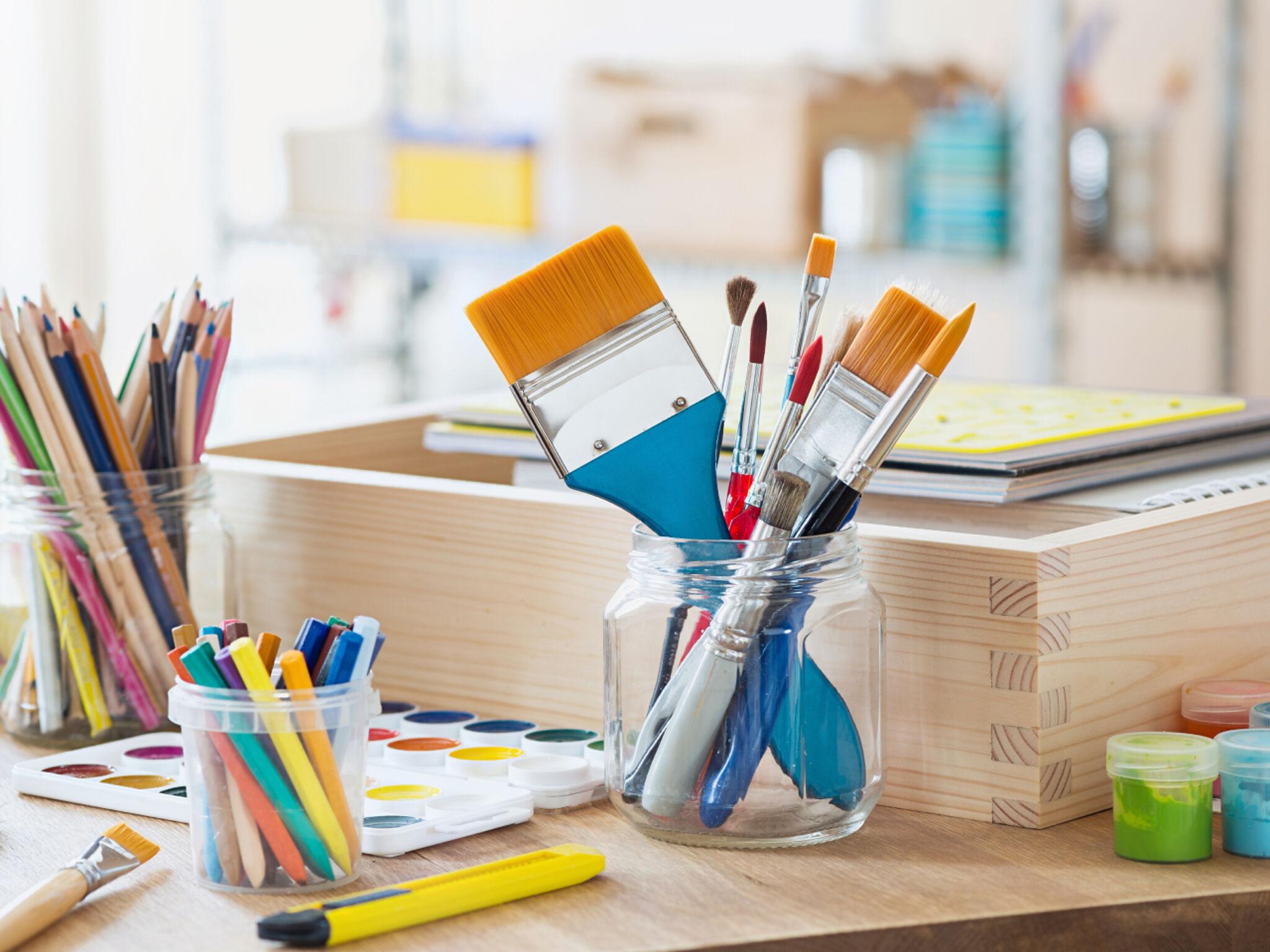 絵を描く道具の画像